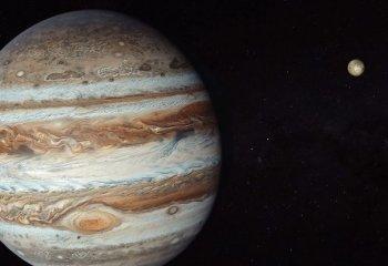 Bugün Jüpiter'e bakın!