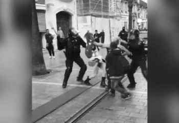 Sarı Yelekliler eyleminde kadın göstericilere copla müdahale