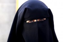 Il divieto del burqa non viola i diritti umani