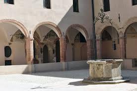 A Gubbio vini veri nelle sere d'estate per passeggiare tra storia e cultura enologica