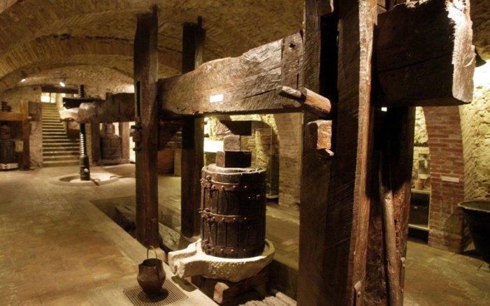 Tra i musei del vino più belli del mondo, il Muvit, museo del vino a Torgiano