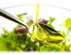 cucchiaio-con-olio