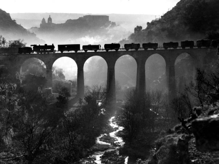 Dalla Sicilia a Sorrento, il maestro fotografo Giuseppe Leone in Grand Tour in Campania