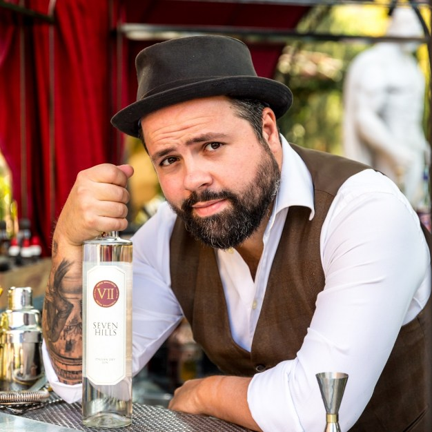 Il barman Federico Leone