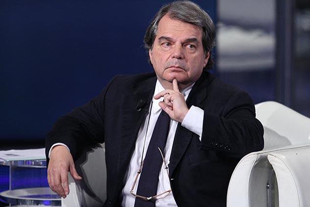 Concorsi scuola, il decreto Brunetta cambia tutto: i diplomati e i neolaureati potrebbero essere fatti fuori