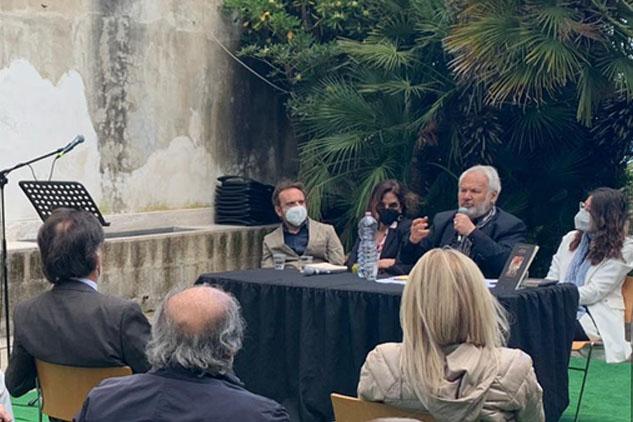 """Presentato al Grenoble il nuovo romanzo capolavoro di Jean Noel Schifano """"Anna Amorosi"""""""