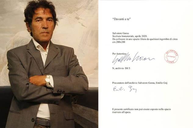 """Garau stupisce ancora. Venduta per oltre 27mila euro """"Davanti a te"""": un'altra scultura invisibile"""