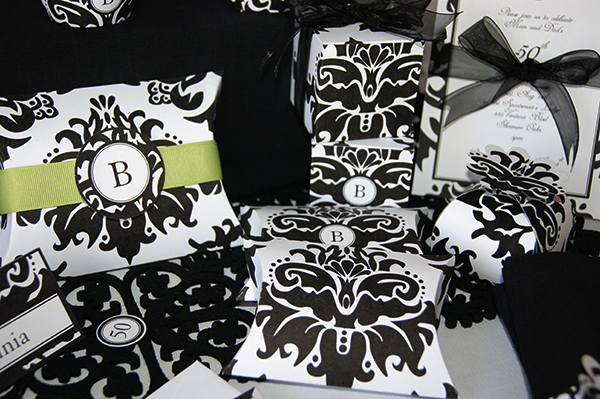 Black-Damask-favor-boxes2