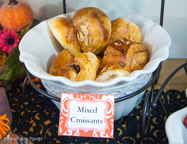 Chocolate-croissants-with-red-damask-place-card