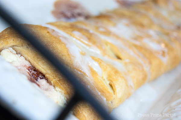 Strawberry-cream-croissant-braid-2
