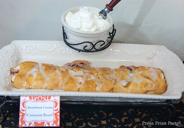 Strawberry-cream-croissant-braid