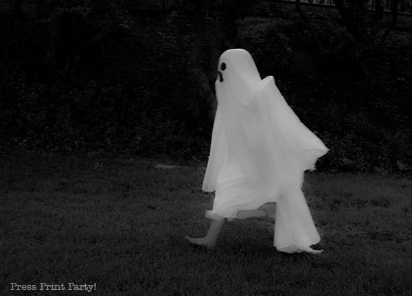 Easy ghost costume tutorial
