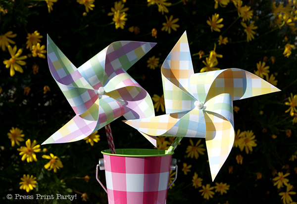 Spring Gingham Printables for Easter by Press Print Party! Easter Pinwheels