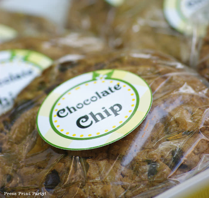 chocolate chip cookie with lemon label press print party
