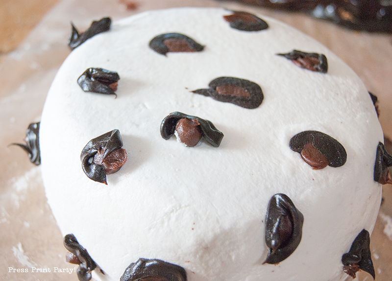 Animal print cake how to by Press Print Party!