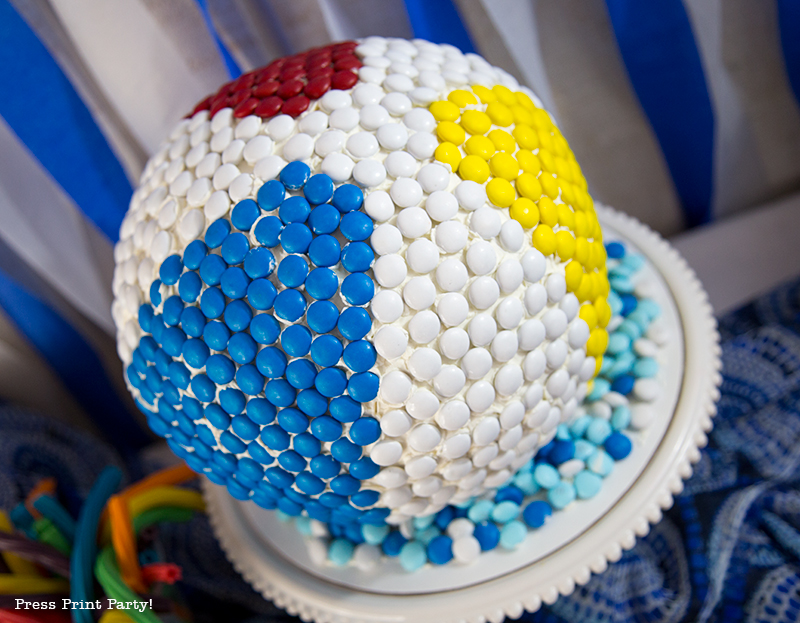 How to make a beach ball cake with m&msHow to make a beach ball cake with m&ms - Press Print Party! - Press Print Party!