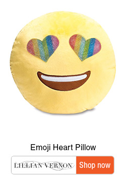 Ultimate gifts for Tweens - Gift guide for tweens - Emoji heart Pillow