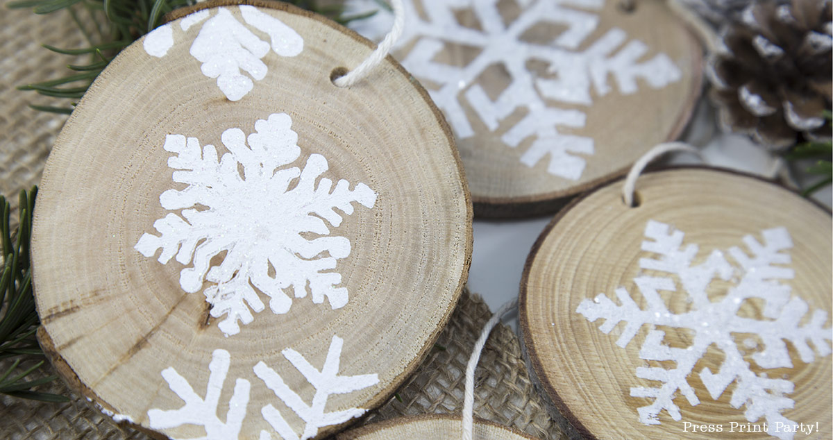 Rustic Wood Snowflake Ornement DIY - By Press Print Party!