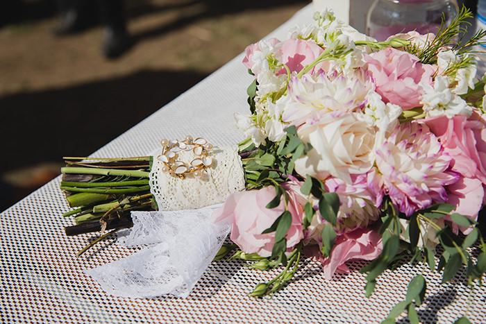 A breathtaking rustic barn wedding - country wedding - Press Print Party! wedding bouquet