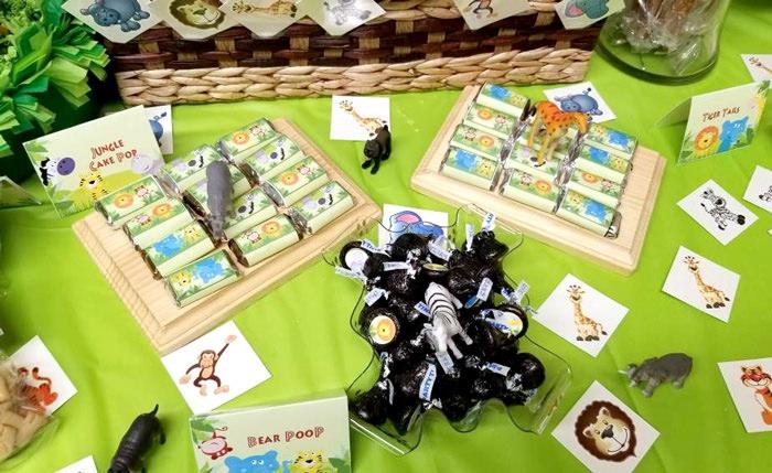 Jungle party dessert table