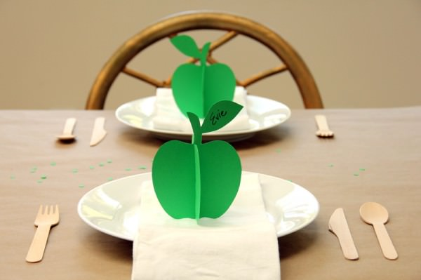 green paper apple place cards
