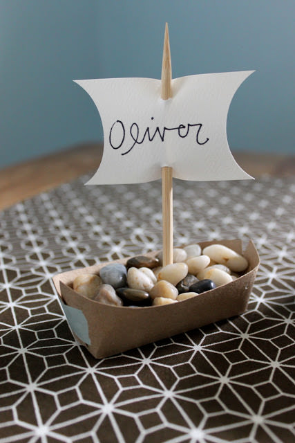 Thanksgiving boat place card holder craft diy