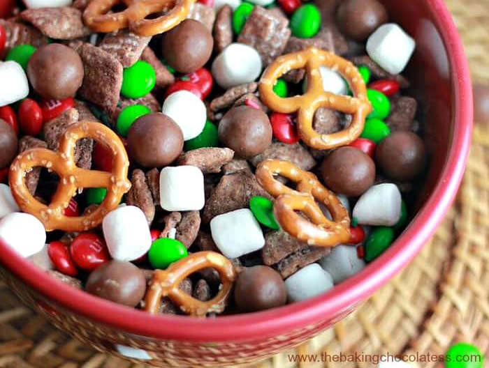 santa reindeer puppy chow sweet chex mix recipe