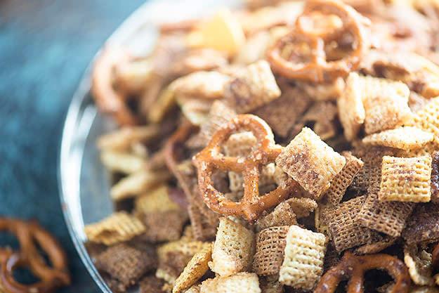 cinnamon sugar sweet chex mix recipe