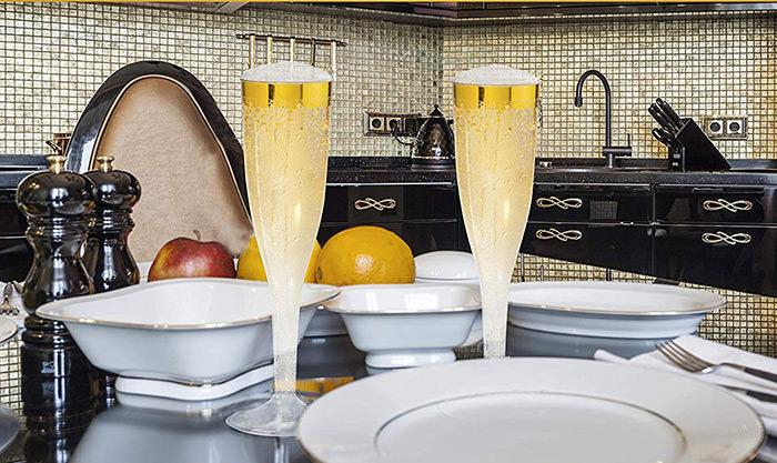 champagne flutes plasic gold