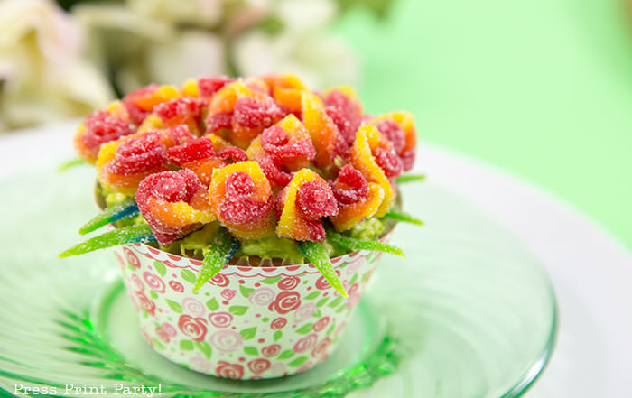 Adorable Easter Treats - flower cupcake- Press Print Party!
