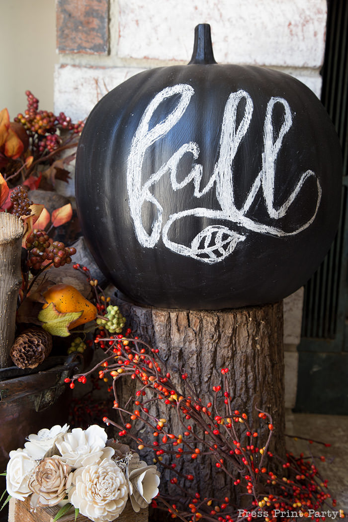 DIY Chalkboard pumpkin how to do chalk lettering with free printable desgins and instructions- Black chalkboard pumpkin with Fall for easy fall decorations- Press Print Party!