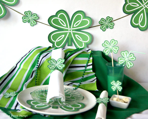 Free St Patrick's Day Shamrock Printables by Press Print Party! Garland, napkin holder, confetti.