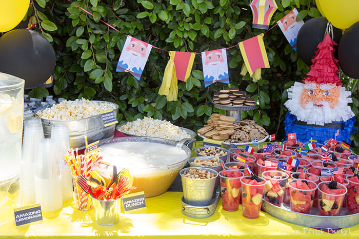 Snack and drinks table - The amazing race party ideas - Press Print Party!