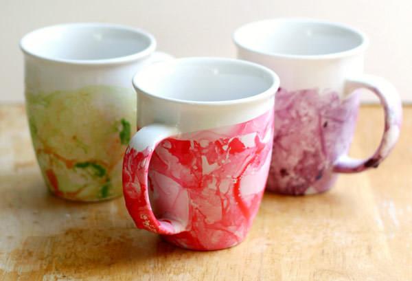 diy marbled nail polish mugs to make for mom. green, red and purple mugs