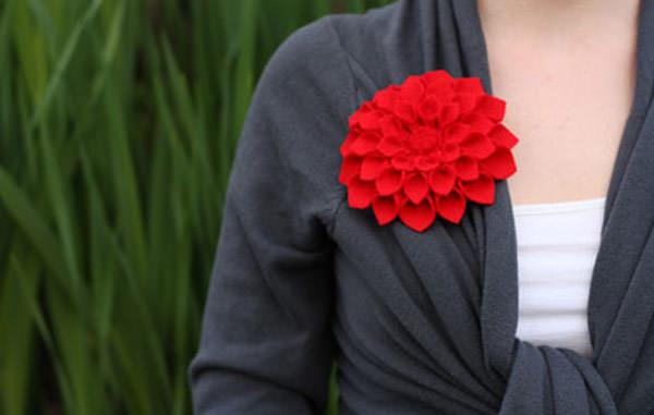 red daliah felt flower brooch for diy gift for mom for christmas