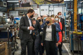 partenariat entre Bourgeat et Vorwerk : visite des locaux de Bourgeat en présence de Agnès Pannier-Runacher