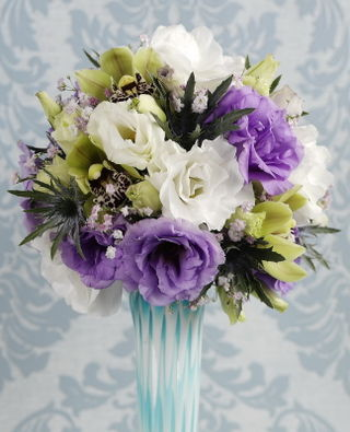 comment conserver les fleurs coup es en un bouquet pour longtemps. Black Bedroom Furniture Sets. Home Design Ideas