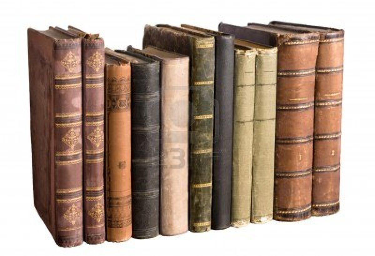 Risultati immagini per immagini libri in libreria