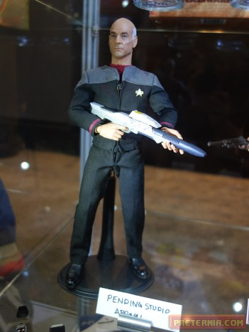 Toy Fair 2015 Qmx 1/6 Scale Jean-Luc Picard Star Trek