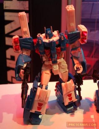 Toy Fair 2015 Transformers Leader Ultra Magnus