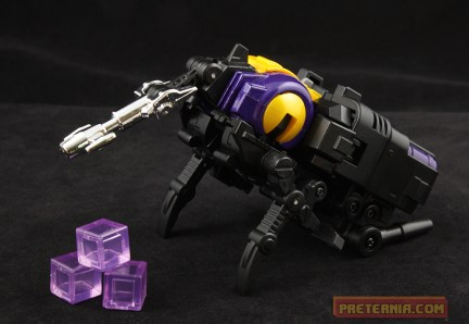 Fans Toys Grenadier FT-12T MP Bombshell Insecticon