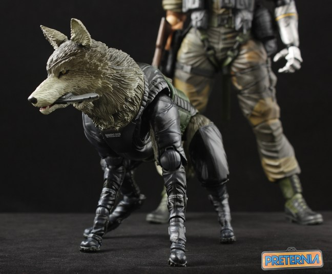 Play Arts Kai Metal Gear Solid D-Dog Review Phantom Pain