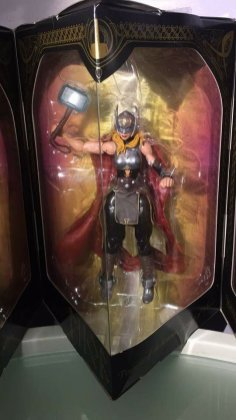 Hasbro Marvel Legends SDCC Thor Five Pack Set