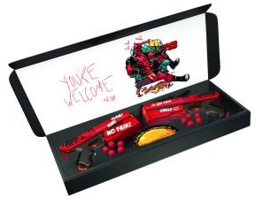 Deadpool Nerf Rival Blaster - in pkg