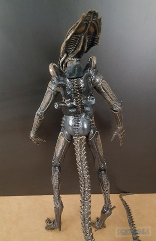 NECA Aliens Series 11 (Lambert, Defiance Xenomorph, Kenner Blue Big Chap) Review