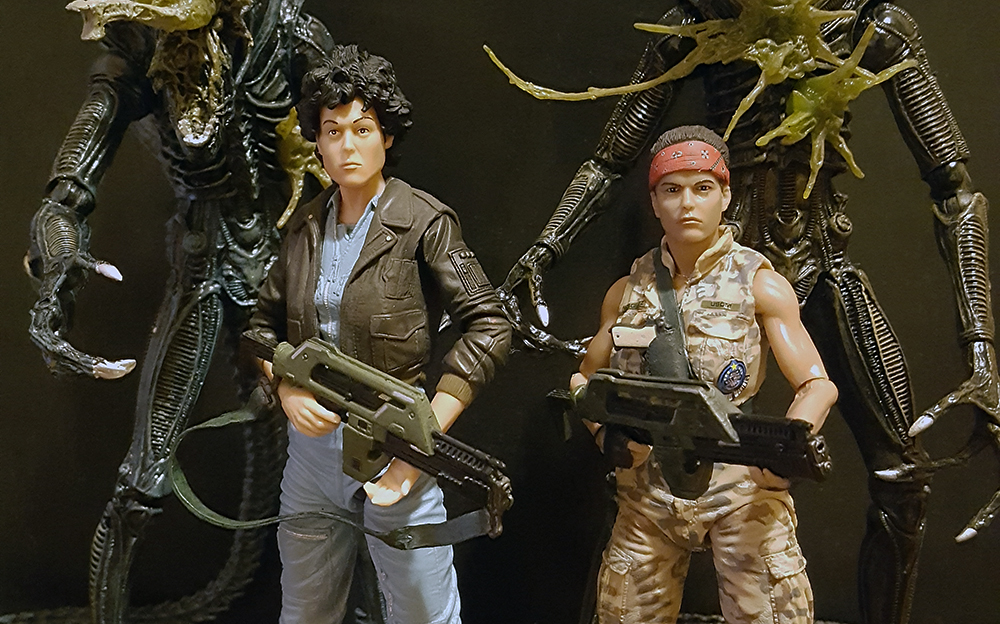 NECA Aliens Series 12 (Bomber Jacket Ripley, BDUs Vasquez, Battle Damaged Alien Warriors) Review