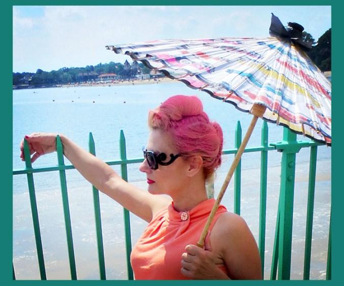 pink-womens-pompadour-streetstyle-wheelchair-punk