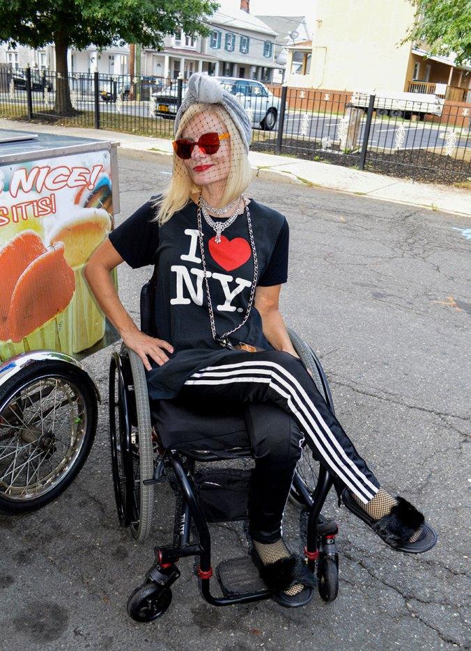 wheelchair fashion blogger