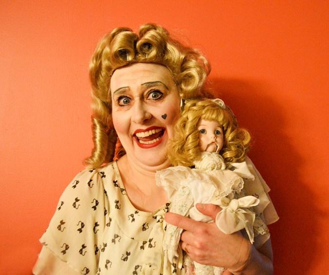 Bette Davis babyjane impersonator