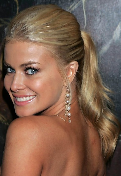 Top 16 Carmen Electra Glamorous Hairstyles Pretty Designs